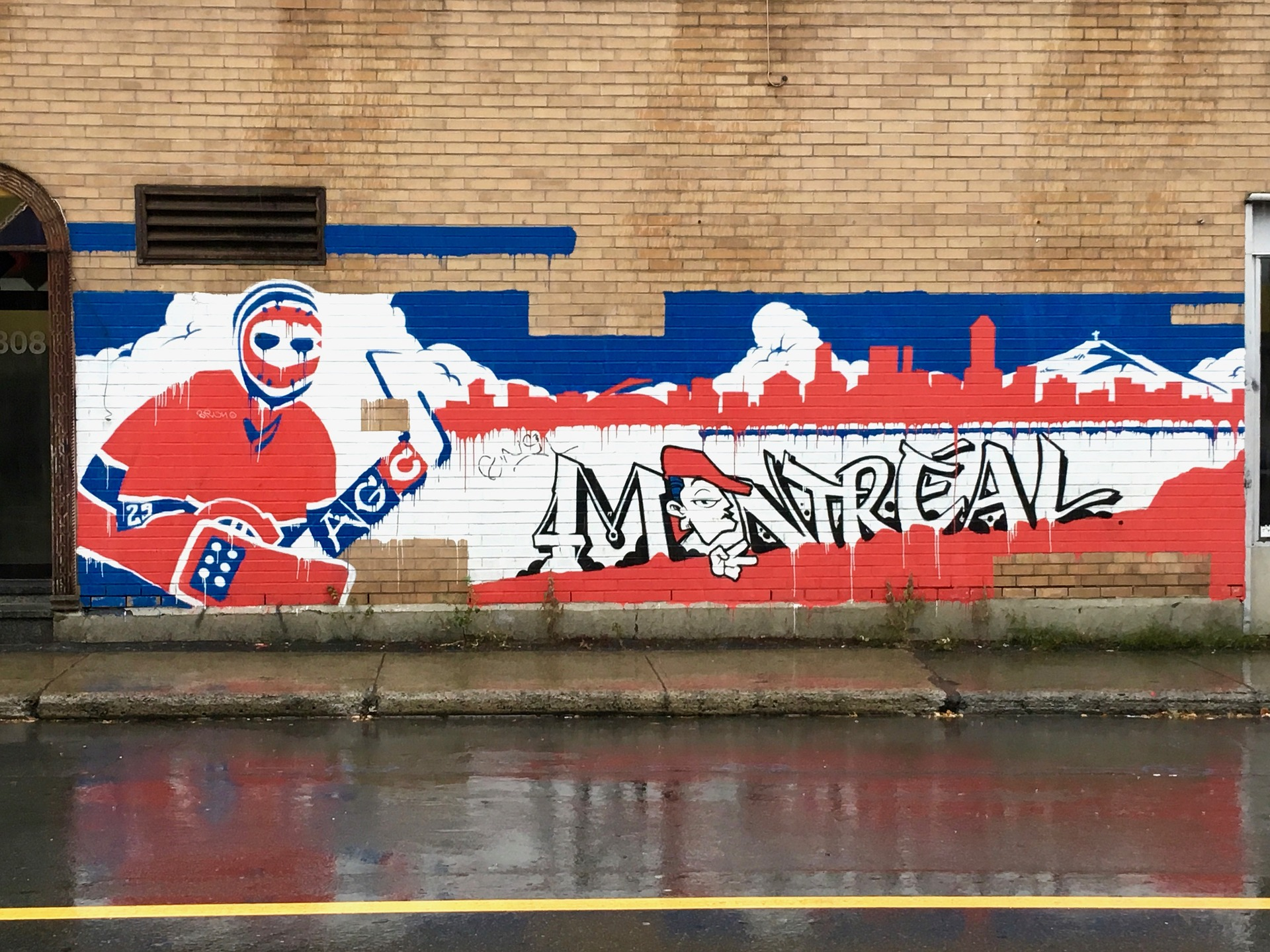 Ice hockey graffiti in French colours in Canada.