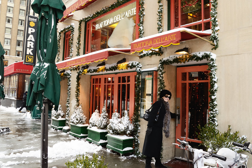 An image of an authentic trattoria in the snow. The translation of the word 'trattoria', is a great example of where multilingual seo is needed. While 'ristorante' is the more literal translation, 'trattoria' is used in more specific instances.